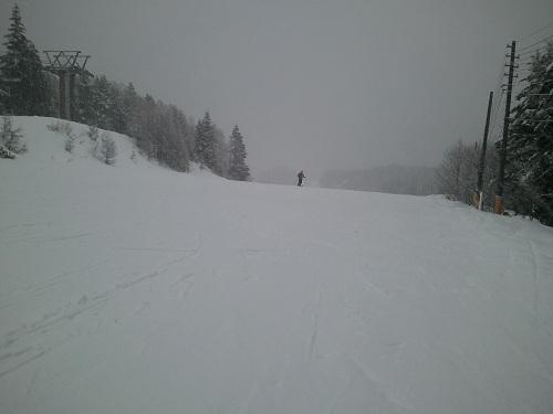 夢の平コースリフト滑り始め