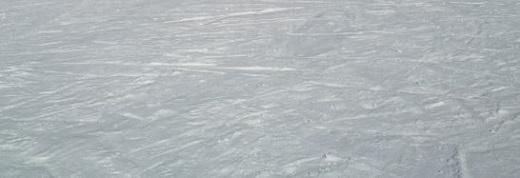 エコーバレー斜面の雪の跡