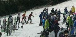 月山スキー場のリフトの混み具合