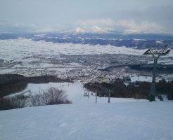 北海道のスキー場のゲレンデからの景色